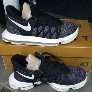 Nike zoom KD 10, size 5.5 Y
